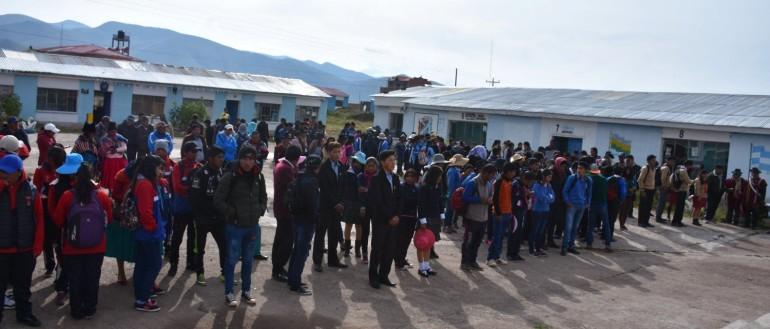 15 gobiernos estudiantiles asumen sus funciones en Jesús de Machaca